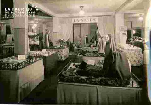 Galeries La Fayette Etalage Tissu