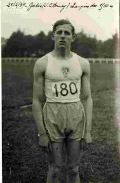 Godin, champion des 1500 m. US Bernay