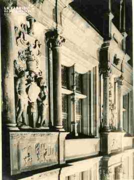Hotel d'Escoville, sculptures illuminées