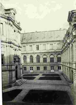 Hotel de ville Place de la République