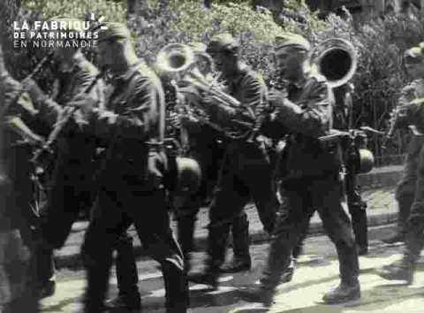 Défilé des troupes d'occupation