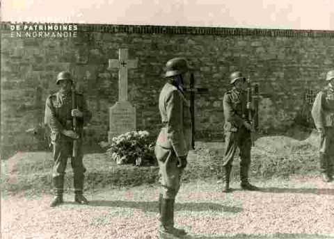 Cérémonie allemande à un cimetière