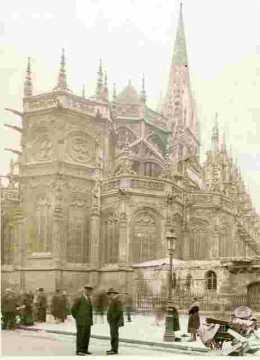 Saint Pierre, abside vue du Bd des Alliés