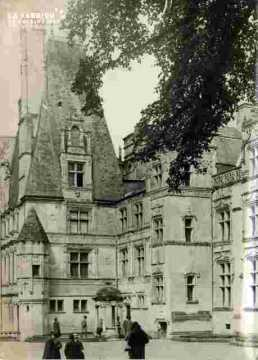 Fontaine Henry.le Château, cf I.5-32
