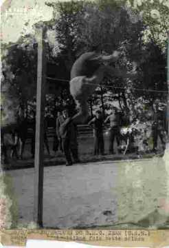Jean (USN) saute pour la 3ème fois, très abimé