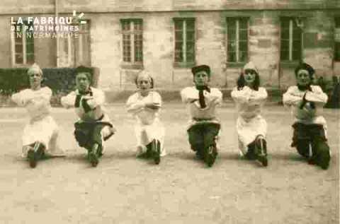 Danse antique Melles Colette, Gibert (EN  Caen)            cf E 7