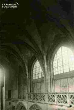 Saint Sauveur le vieux, fenêtre et balustrade