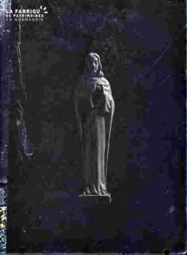 Statue de vierge avec enfant