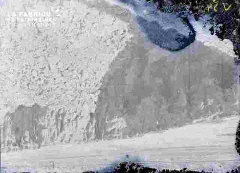 Mur  rocheux de carrière, très ab
