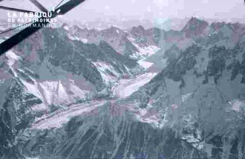 Survol des montagnes-Mer de glace ?