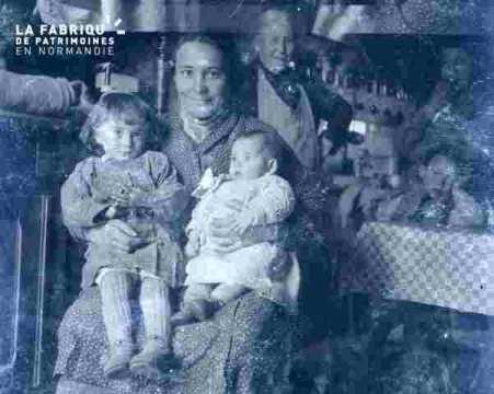 Mme Marie et deux enfants ?