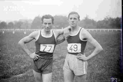 Vaugeois athlète USN dossart 77 et Bernay dossart 49