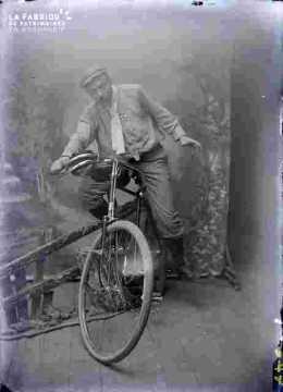 homme en vélo
