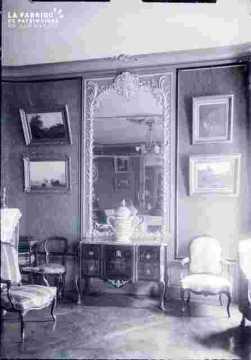 Salon avec cheminée et tableaux, Préfecture ?