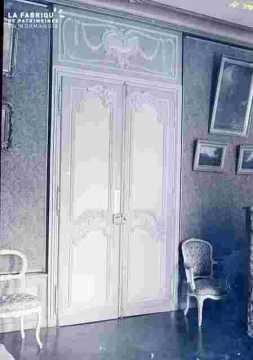 Salon avec porte ornée  et tableaux, Préfecture ?