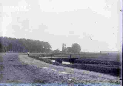 Prairie et-Rivière-Arbres et ville au lin