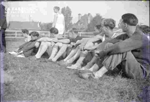 Interclub U.S.N.groupe assis 1940