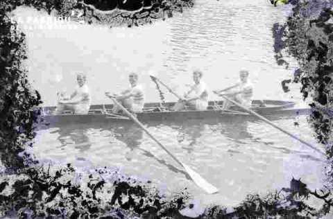 (très abimé) Canoé-kayak.Groupe