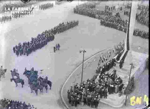 Fête de l'armistice.Plongée avec troupes