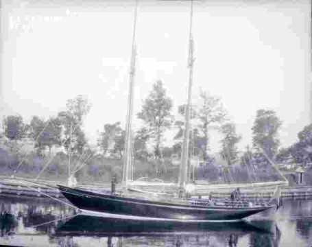 Bord de quai & voilier
