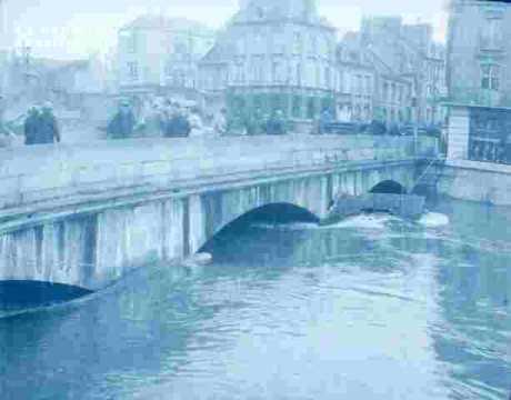 Inondation .pont sur l'Orne.