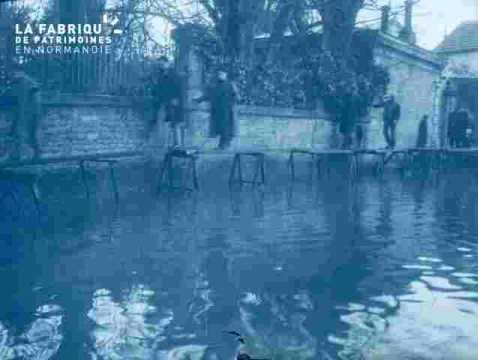 Inondation .Maisons inondées.
