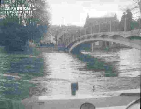 Inondation-Pont sur l'Orne