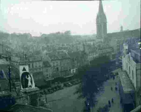 La ville-Clocher de Saint pierre & place publique