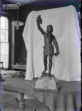 Trophée-Statuette -Le couvre-feu 3