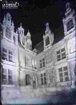 Hôtel d'Escoville-La loggia