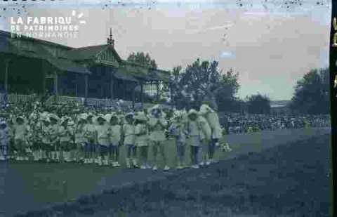 Fête de la jeunesse -stade Hélitas