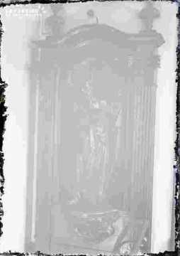 Art religieux-Saint dans une niche