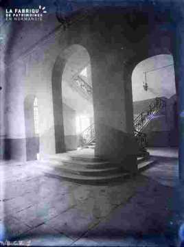 Mairie actuelle-Escalier d'honneur