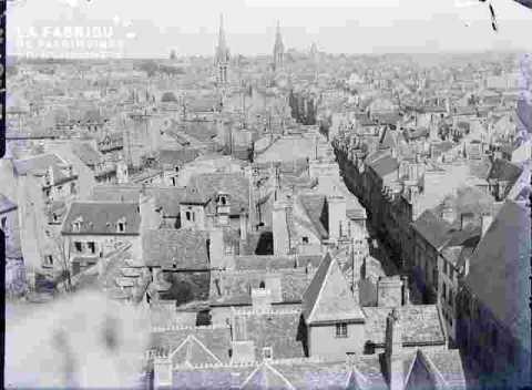 Ville vue du clocher de Saint Et le Vx