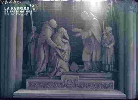Bénédictines-Statues et bas reliefs