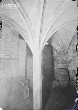 Cave r Saint Sauveur-arches