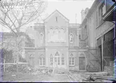 R Leroy-Maison style gothique