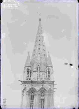Saint Sauveur-Le clocher