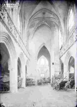 Vieux Saint Sauveur-nef intérieur