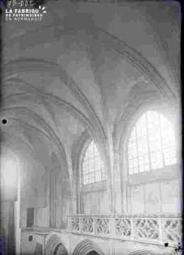 Vieux Saint Sauveur-Arches & tribunes
