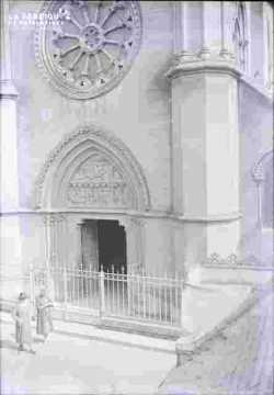Basilique-Tympan, porche et rosace