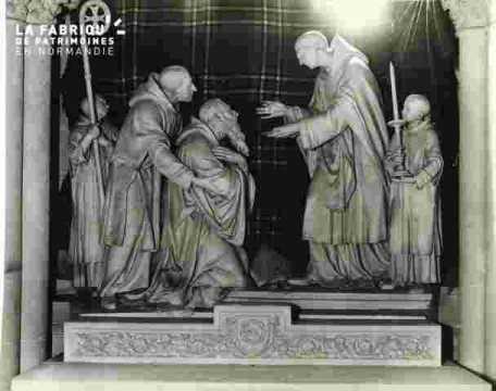 Groupe sculpté:La communion de Saint Benoit.Détails