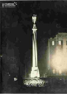 Manifestations diverses-Monument aux morts pl-Foch