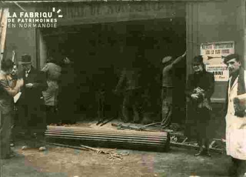 Le rideau de fer du hall eSaint enlevé