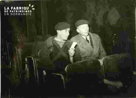 Cinéma Normandie-Foule à l'ouverture