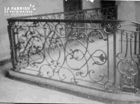 Non identifiés -Escalier en fer forgé