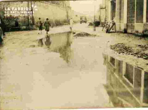 Divers-Rue sous la pluie