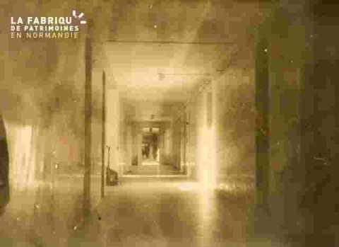 Hôpital-couloir