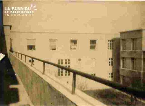 Hôpital- cour intérieure