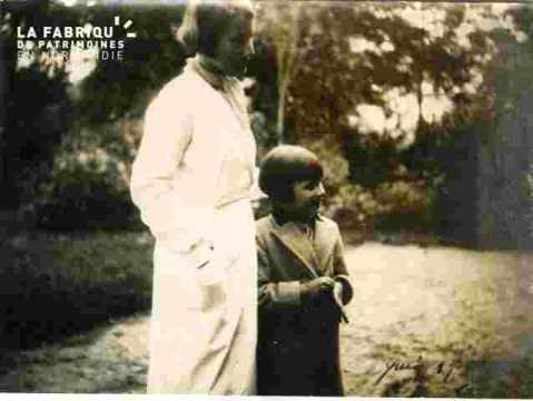 Jacqueline Dolgopouloff et sa maman (juillet)